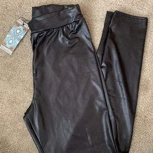 NWT boohoo faux leather leggings petite
